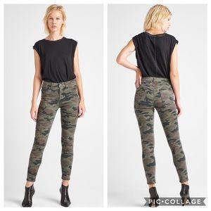 Hudson Barbara High-Waist Super Skinny Ankle Jean